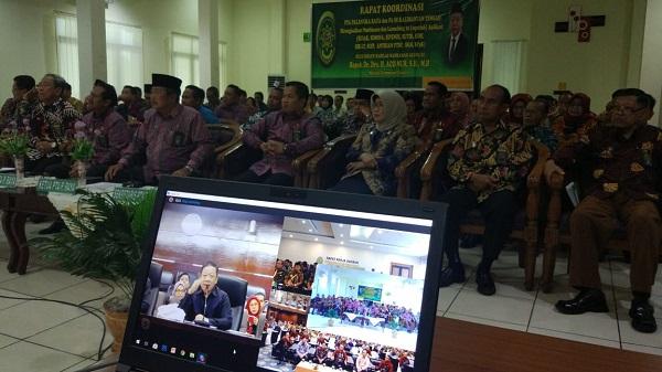 Demi Kemajuan Bersama: PA Kuala Kurun Ikuti Pembinaan Dirjen Badilag Melalui Media Telecoference Di PTA Palangka Raya